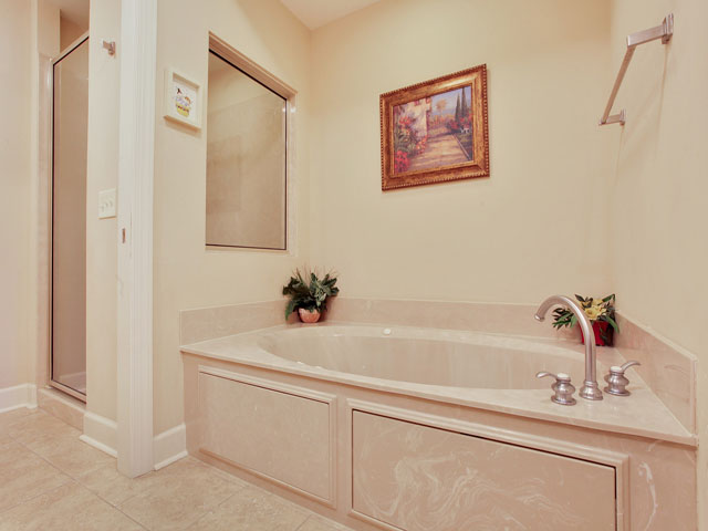 109 Main Sail -Bathroom 1