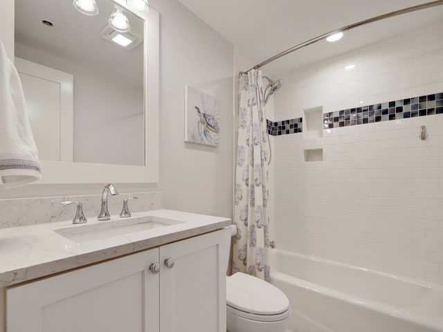 315 Barrington - Guest Bathroom