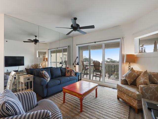 509 Barrington Court - Living Room