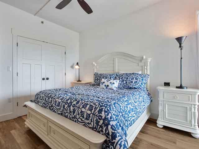 509 Barrington Court - Master bedroom