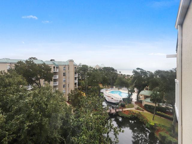 509 Barrington Court -Complex grounds