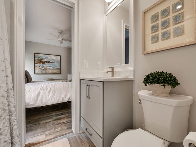 57 North Sea Pines - Guest Bedroom Bathroom