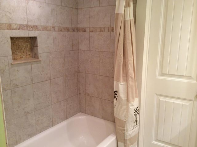 837 Ocean Cove - Guest Bathroom