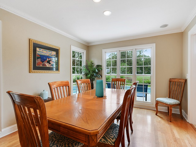 24 Red Maple - Dining Room