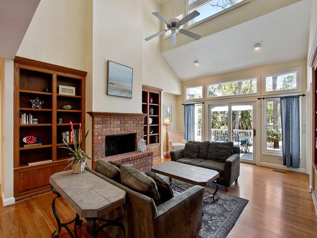 25 Rum Row - Living Room