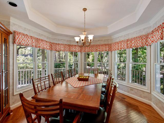 25 Rum Row - Dining Room Area