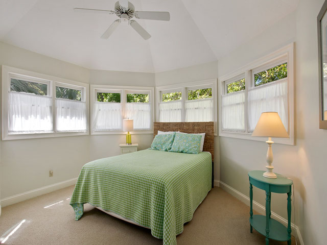25 Rum Row - Guest Bedroom
