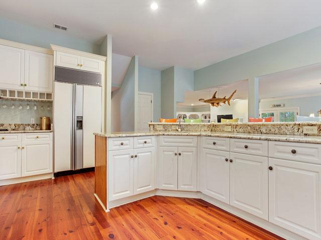 16 Snowy Egret -Kitchen