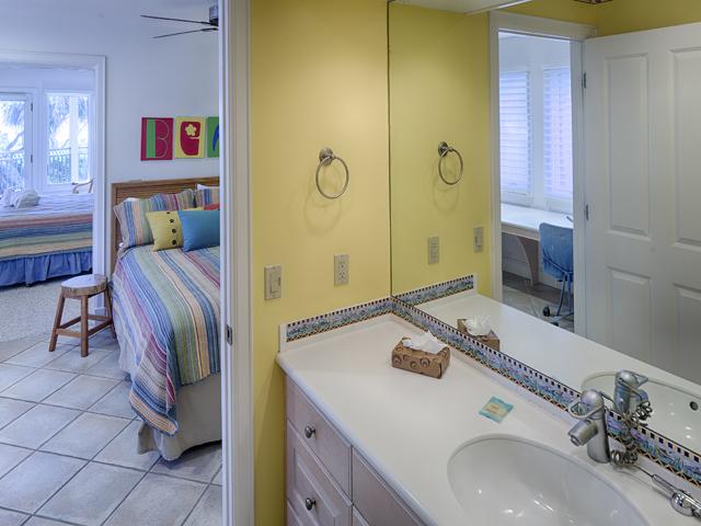 20 Sea Oak - Bedroom Batroom