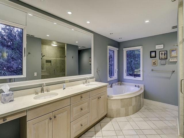20 Sea Oak-Bathroom 1