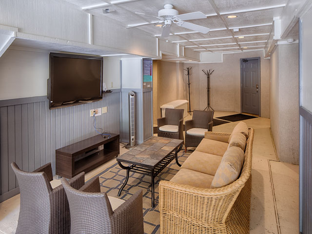 20 Sea Oak-Movie room