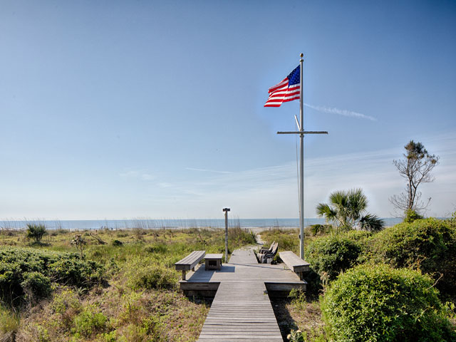 20 Sea Oak- Boardwalk to beach