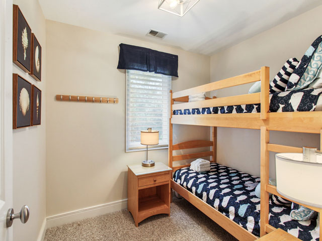 bunk bedroom in master