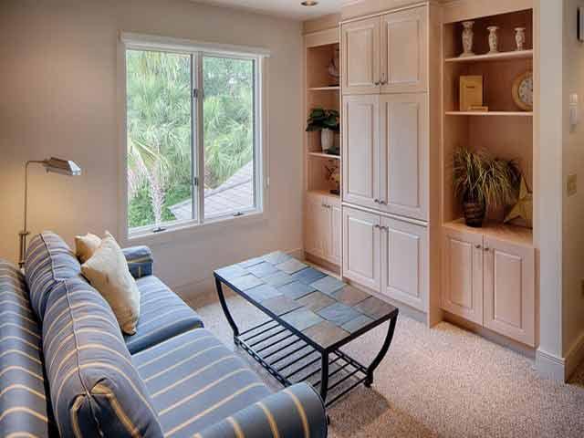 20 Sea Oak - Blue Sofa room
