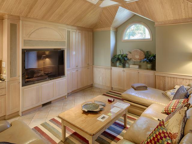 20 Sea Oak - Family Room