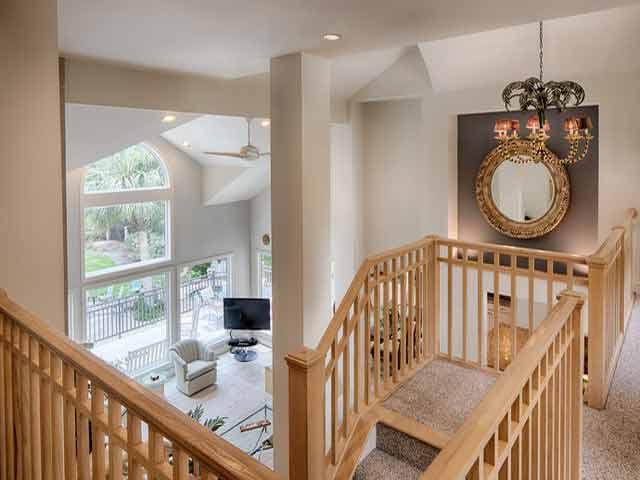 20 Sea Oak - Stairwell