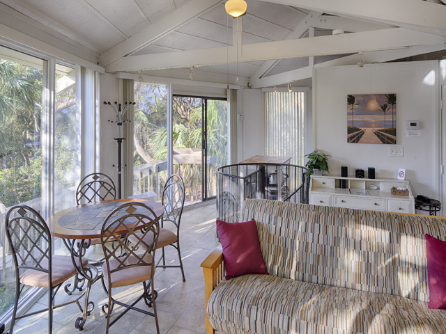23 Sea Oak - Kitchen/Eating Area