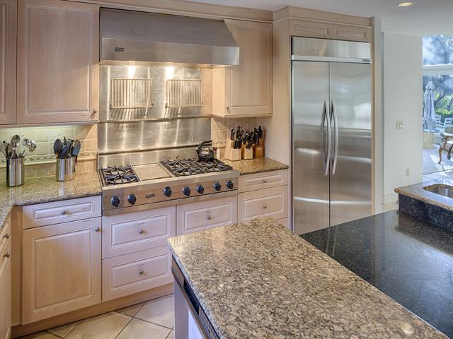 20 Sea Oak - Kitchen