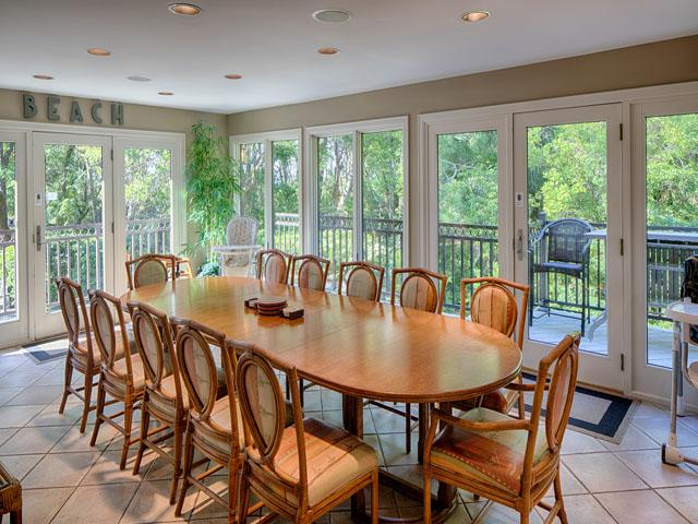 20 Sea Oak - Kitchen table