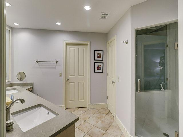 20 Sea Oak - Bathroom