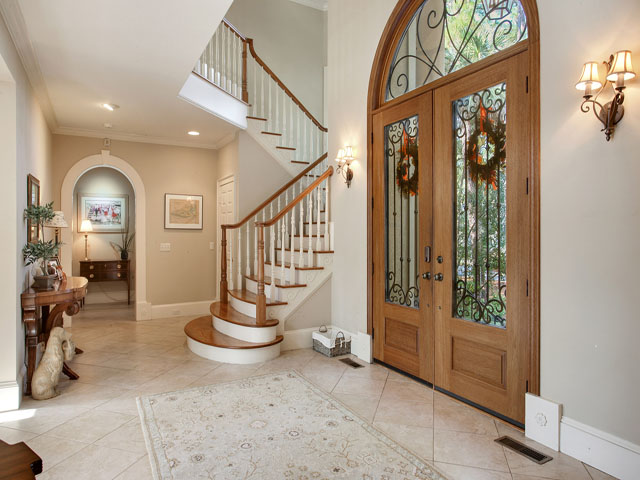 46 Sea Lane - Foyer