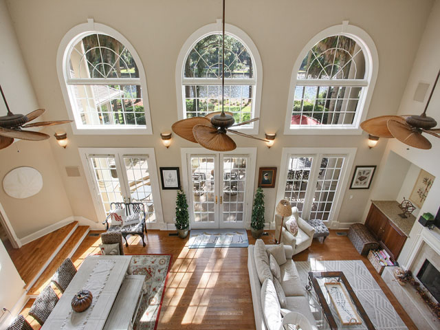 46 Sea Lane - Living room