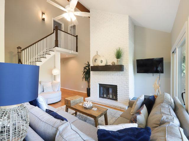 5 St George - Living Room