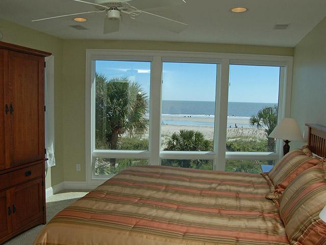 4 Sea Spray - Master Bedroom