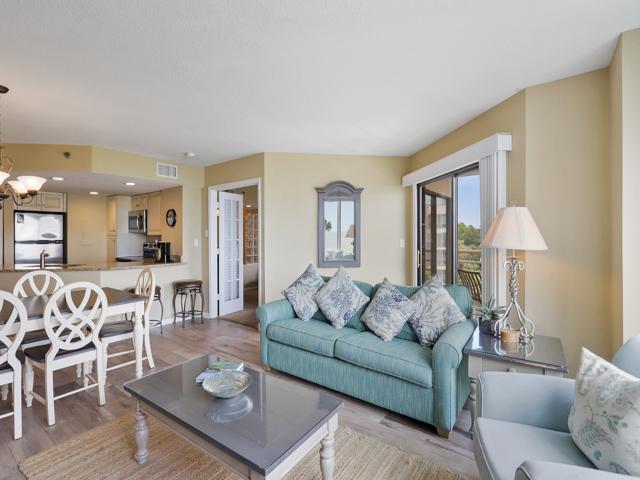 1408 Villamare - Living Room