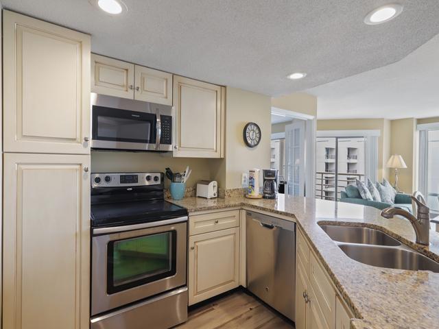 1408 Villamare - Dining room/ Kitchen
