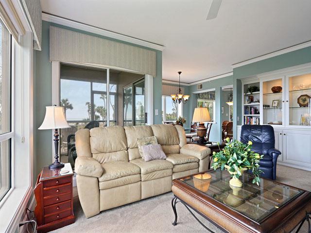 Windsor Court 3107- Living Room