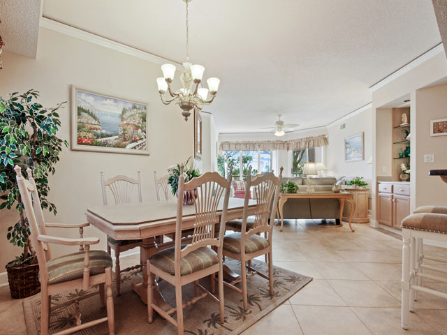 ... 4106 Windsor Court   Dining Room Table ...