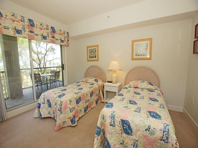 4201 Windsor Court - Twin Bedroom