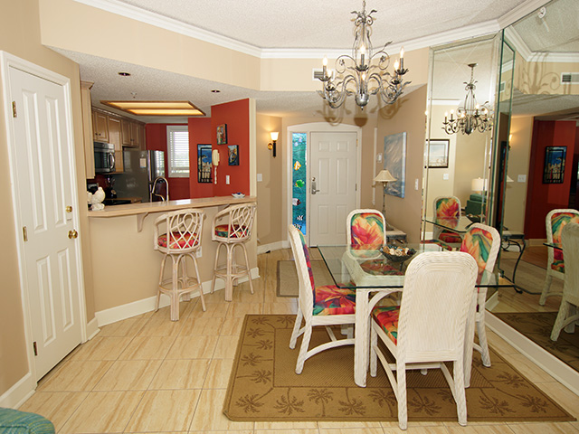 ... 4404 Windsor Court   Dining Room/Kitchen ...