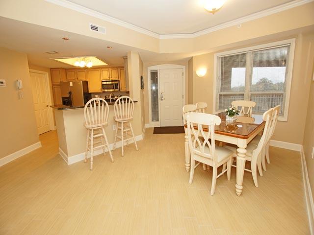 4502 Windsor Court - Dining Room & Kitchen Bar