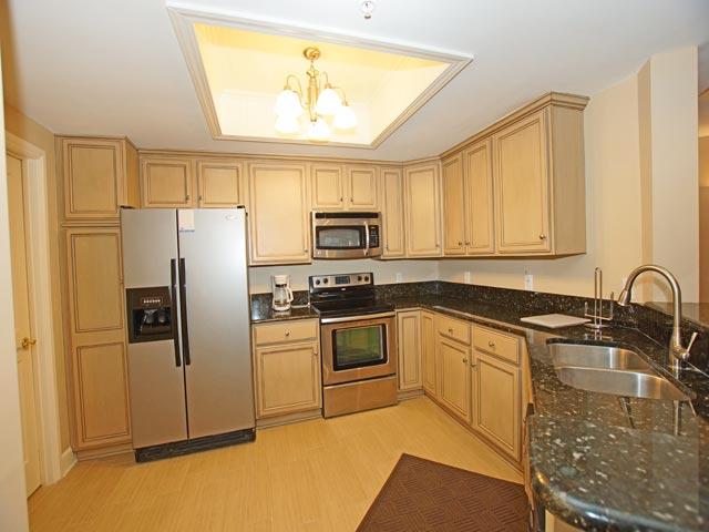 4502 Windsor Court - Kitchen