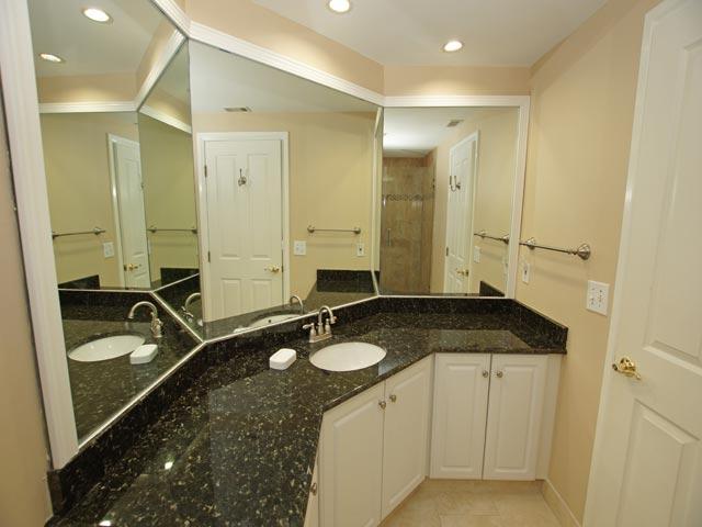 4502 Windsor Court - Guest Bathroom
