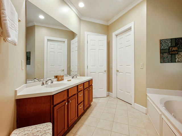 8106 Wendover - Bathroom 2