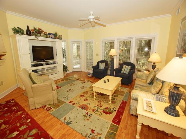 8137 Wendover Dunes - Living room