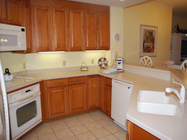 8137 Wendover Dunes - Kitchen