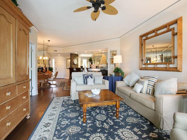 Windsor Place 405- Living room
