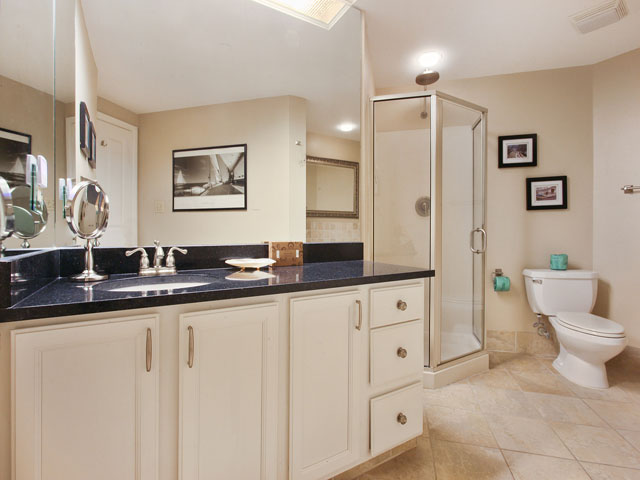 Windsor Place 405- Bathroom 1