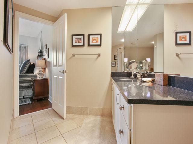 Windsor Place 405- Bathroom