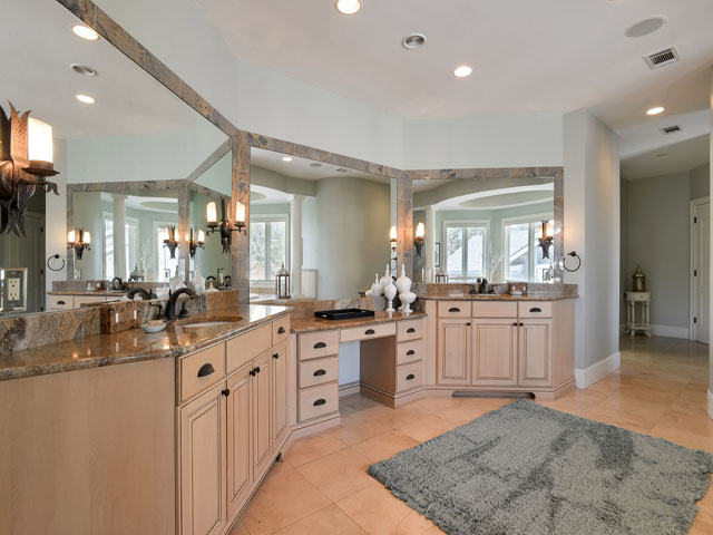 7 Brigantine - Master bathroom