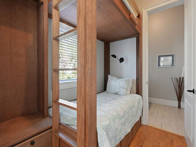 7 Brigantine - Small bunk bedroom