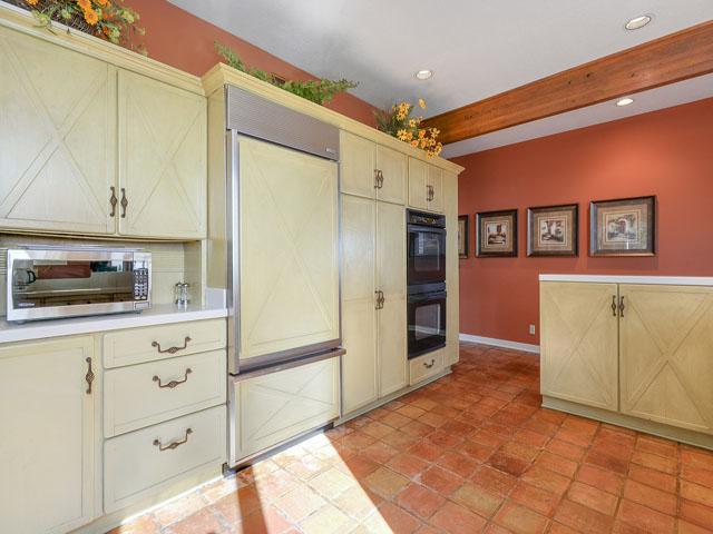 12 Brigantine - Kitchen