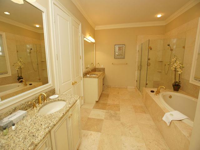 7 Sandhill Crane - Bathroom