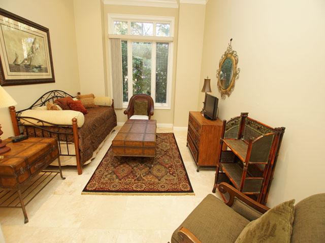 7 Sandhill Crane - Bedroom