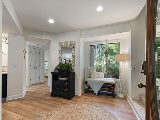 10 Armada - Living Room
