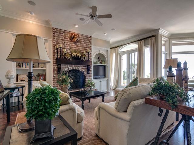 17 Brigantine - Living Room
